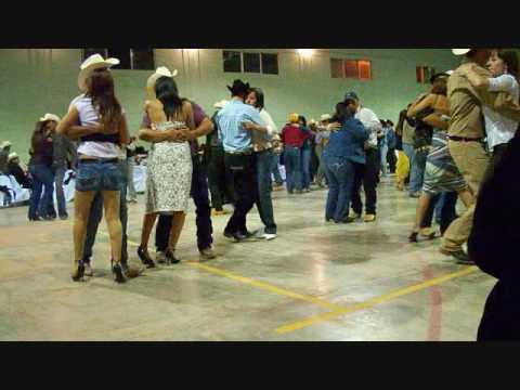 Baile en Nonoava con Los Villalobos