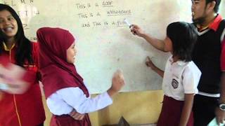 KKN teach english language with beautiful teacher 3