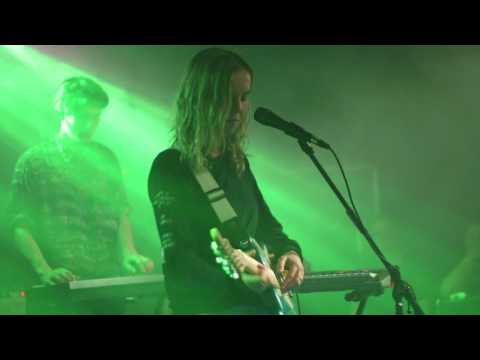 The Japanese House - Sister (Live at the Riot Room)
