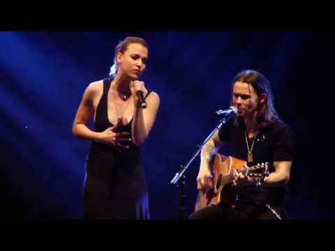 Watch Over You - Alter Bridge ft. Lzzy Hale Manchester Arena 22/10/2013 HD
