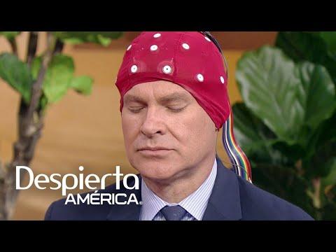 Alan Tacher se somete en vivo a una sesión de neurofeedback para 'entrenar' su cerebro