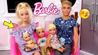 Barbie & Ken Family Stay Home Routine with Grandma - Titi Toys