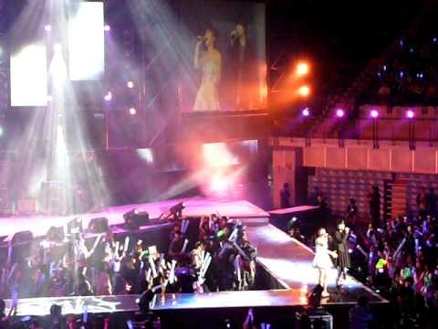 嚴爵(Yen-j) - 偷偷的愛 & 丁噹 + 訪問 in 2011 第七屆 KKBOX 數位音樂風雲榜