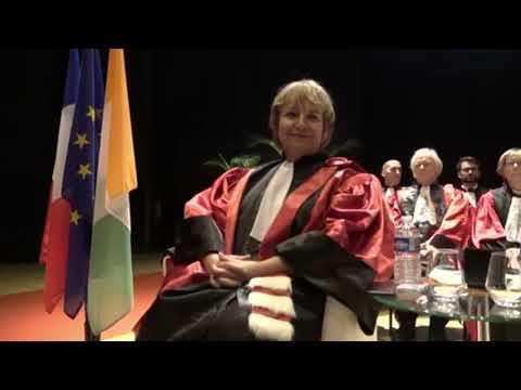 Prof. Bakayoko-Ly Ramata porte haut le drapeau ivoirien