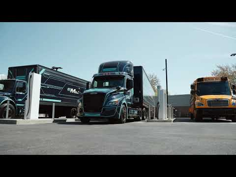 Watch a video of how a driver of a heavy-duty electric truck can use Electric Island, including interviews from Portland General Electric and Daimler Trucks North America.