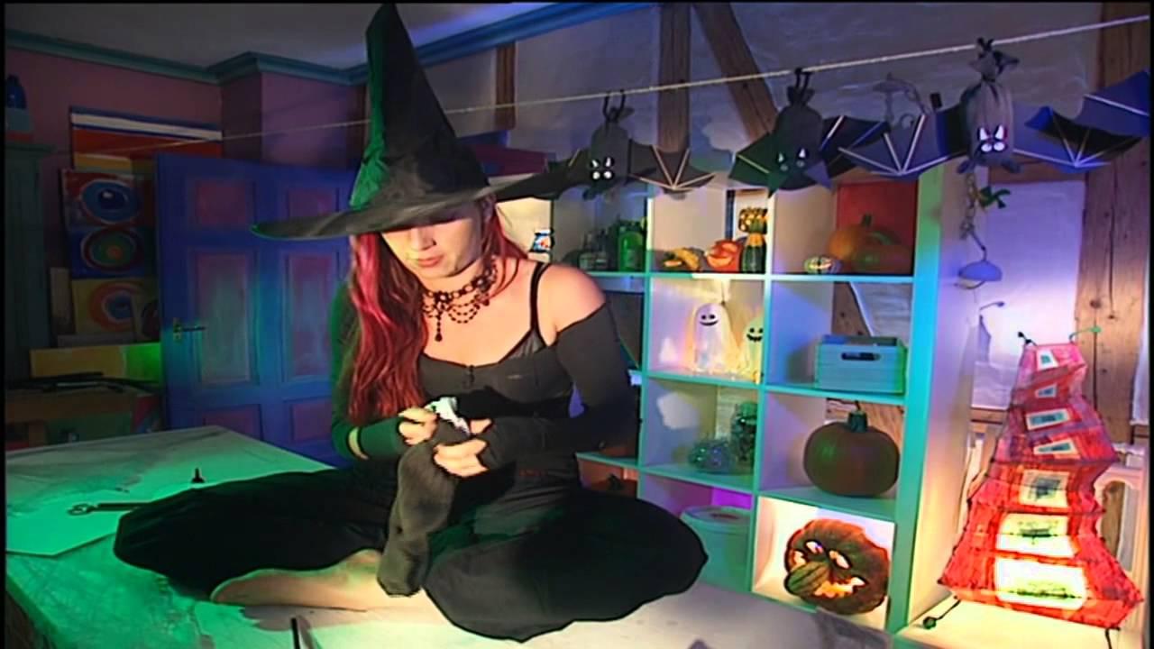 basteln mit kindern f r halloween halloween deko diy selber machen youtube. Black Bedroom Furniture Sets. Home Design Ideas