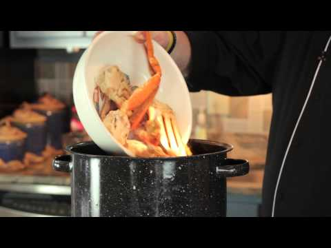 How to Cook Frozen Crab Leg : Making Meals Delicious - cookingguide  - 4_MuHzuko9E -