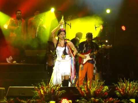 Lila Downs - Mezcalito (Auditorio Nacional 25-nov-11)