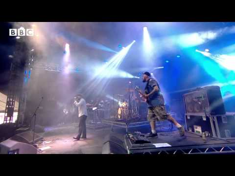 Alex Clare - Too Close At Reading Festival 2013 - Smashpipe Entertainment