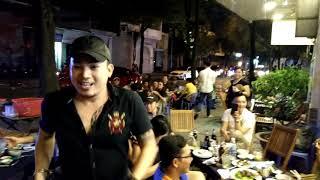 Thánh Lô Tô Bi Đá Bào hội Ngộ cùng hot boy nhạc chế Ku Vàng hát lô tô bán kẹo kéo ở quận 1