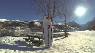 Haciendo paddle surf en la nieve