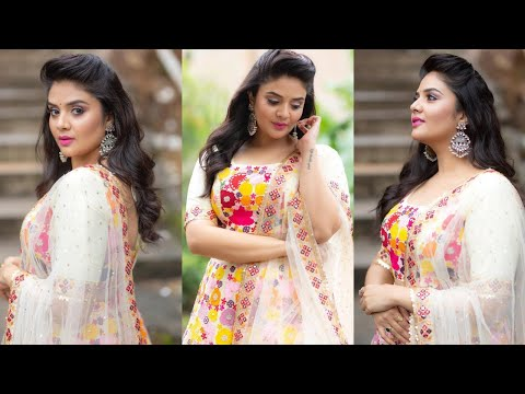 Anchor Sreemukhi looks ethereal in her latest photoshoot pics