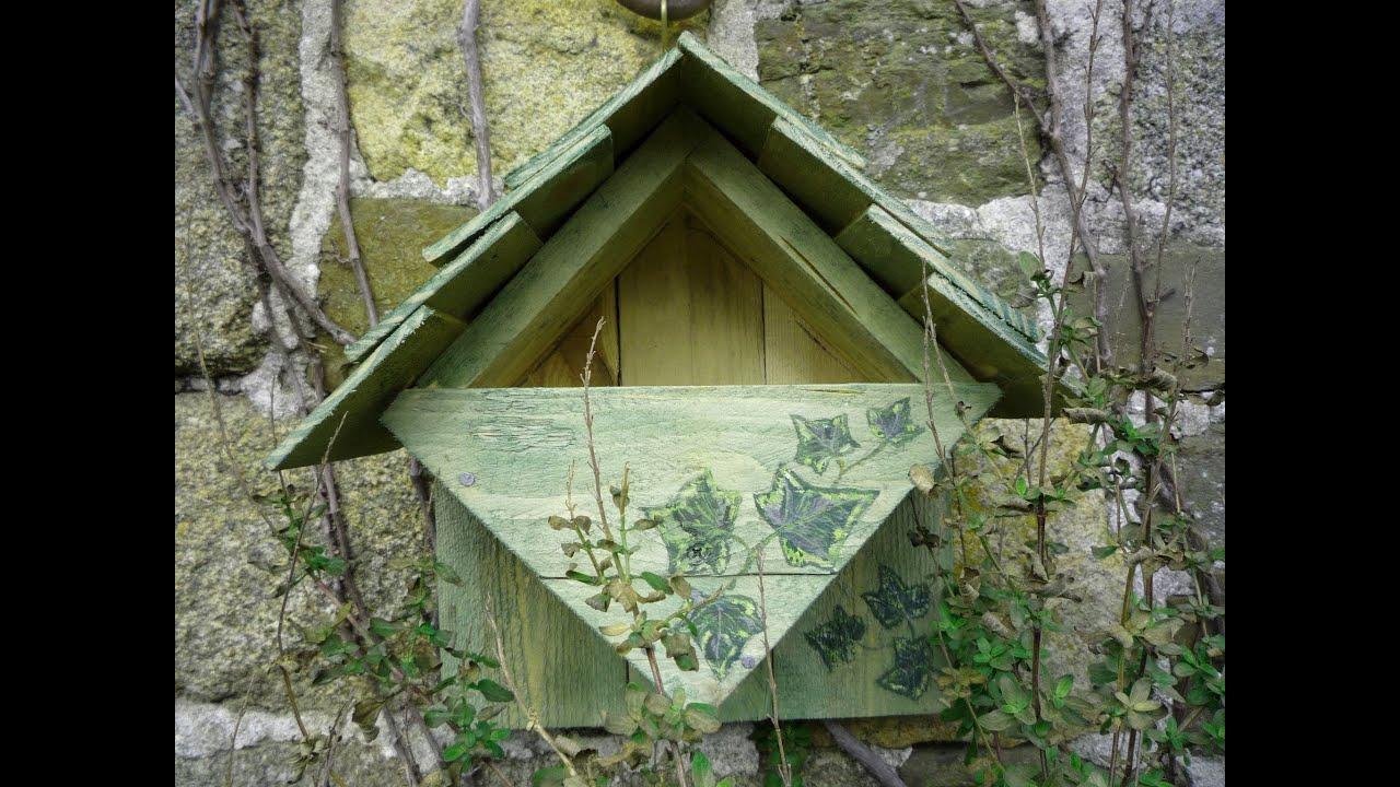 home made repurposed wood nesting box bird house robin. Black Bedroom Furniture Sets. Home Design Ideas