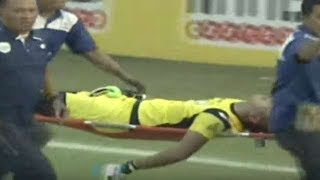 Indonesia's legendary goalkeeper dies in collision with te..