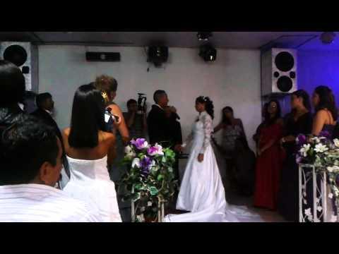 Baixar Allan Ribeiro cantando Beijo no altar para Amanda Senna em seu casamento