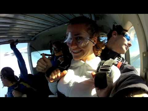 Kelly Skydiving in Wollongong