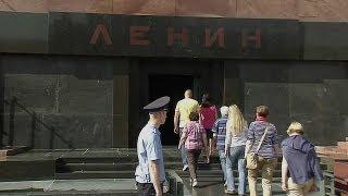 Lăng Lenin mở lại cho khách tham quan