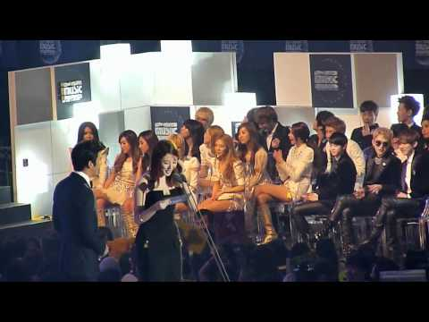 111129 MAMA 2011 SNSD - Artist of The Year