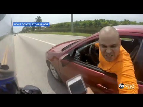 Wild Motorcycle Road Rage Fight Caught on Camera [RAW VIDEO]