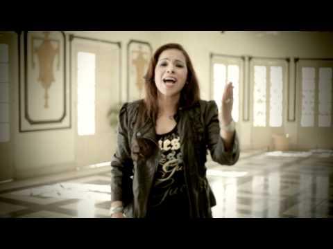 Kalia Valera: Levantate Mujer