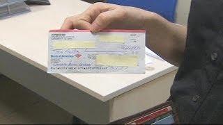 Рабочий мадридского метро нашел чек на 2 миллиона долларов