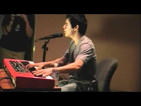 David Archuleta sings