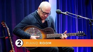 Mark Knopfler - Romeo and Juliet (Radio 2 Piano Room)