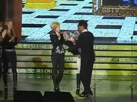 Leesooman & SNSD cut SS 2 2 11 Pop Culture Arts Awards Nov21 2011 GIRLS' GENERATION
