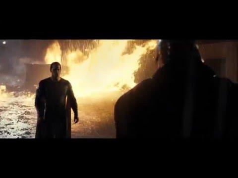 Batman v Superman: El Amanecer de la Justicia - Clip 6