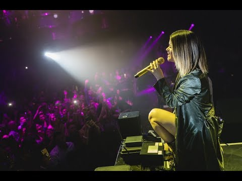 Maren Morris and Zedd Perform The Middle Together at OMNIA Nightclub