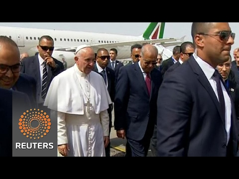 Pope Francis visits Egypt's embattled Christians