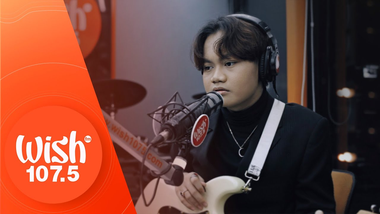 """Ace Banzuelo performs """"Muli"""" LIVE on Wish 107.5 Bus"""