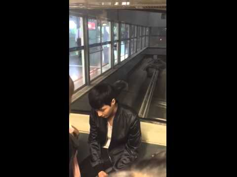 150416 fancam EXO LAY Yixing @Beijing Airport