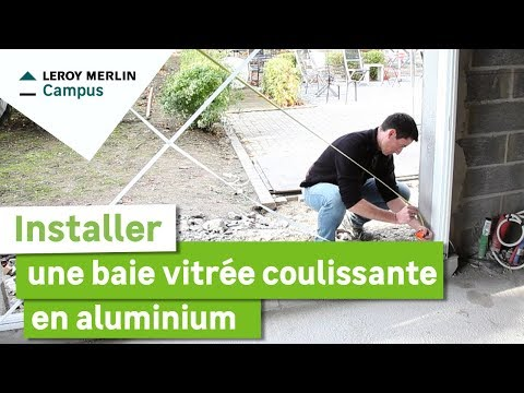 comment installer une baie vitr e coulissante en aluminium leroy merlin youtube. Black Bedroom Furniture Sets. Home Design Ideas