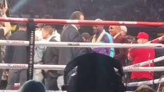 Floyd Mayweather, Jerry Jones, Dak Prescott at Errol Spence Jr. fight