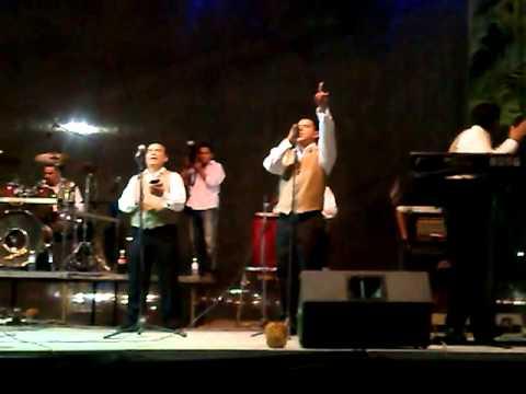 Tropicalisimo Apache en concierto