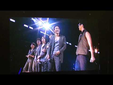 Henry Lau + Siwon Speaking English at SMTown 2010 Los Angeles