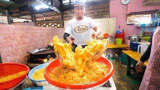 Malaysian Street Food - GENIUS MALAY FOOD in Terengganu, Malaysia!