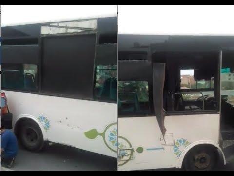 شخص يتكأ على نافذة حافلة بالقنيطرة فكان السقوط مصيره