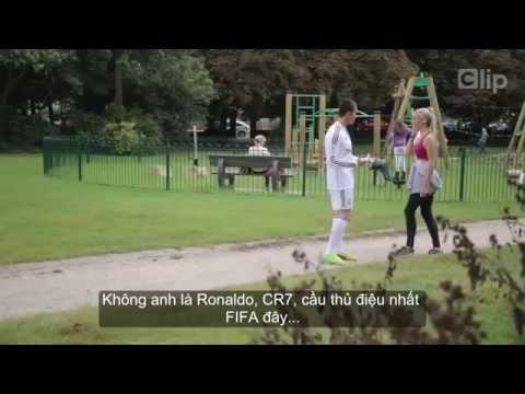 Khi 'Ronaldo fake' xuống phố tán gái