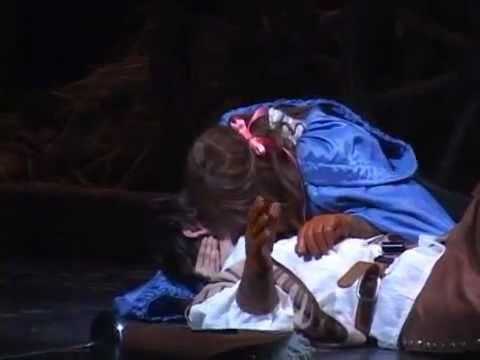 [Donga] 101216 Three Musketeers Musical Press Call - Kyuhyun's Kiss Scene