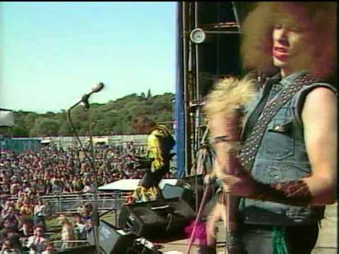 Twisted Sister - Under The Blade [ Reading 1982]