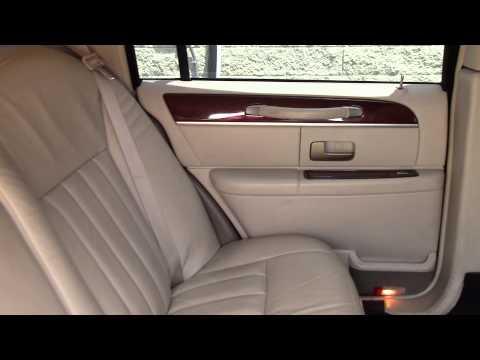 6 Passenger Lincoln Limousine