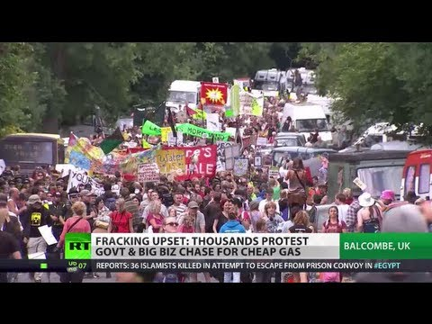 'Frack Off!': 1,000s protest shale gas drilling in UK, fear eco-disaster