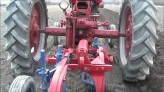 IH McCormick C-20 Fast Hitch Moldboard plow