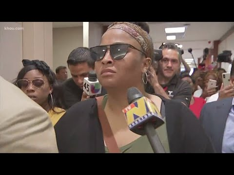 'Justice for Maleah' | Crowd shouts at missing girl's mother after courtroom hearing