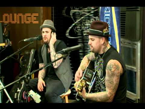 Good Charlotte - Like Its Her Birthday [Live Acoustic]