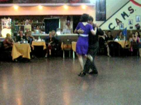 MALENA y JORGE RODRIGUEZ - bailan Milongueando en el 40 (Troilo)