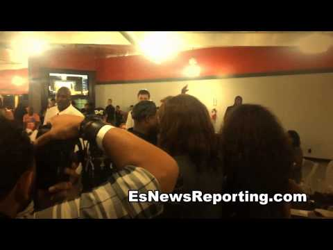 floyd mayweather got dance moves gets down at watson charity event EsNews - ESNEWS  - 5NkukbmGfCE -