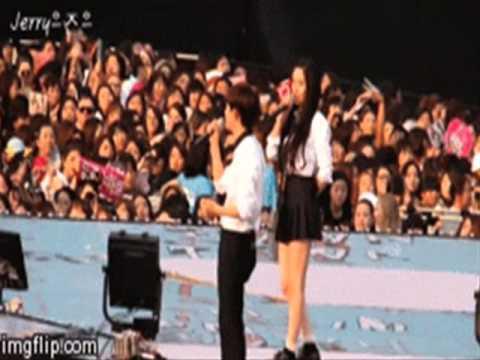 140815 SMTown Seoul-f(x) Krystal with EXO SeHun,KAI and D.O (Sestal,Kaistal,Kyungstal)